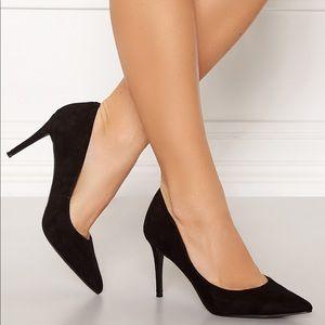 Steve Madden back suede heels